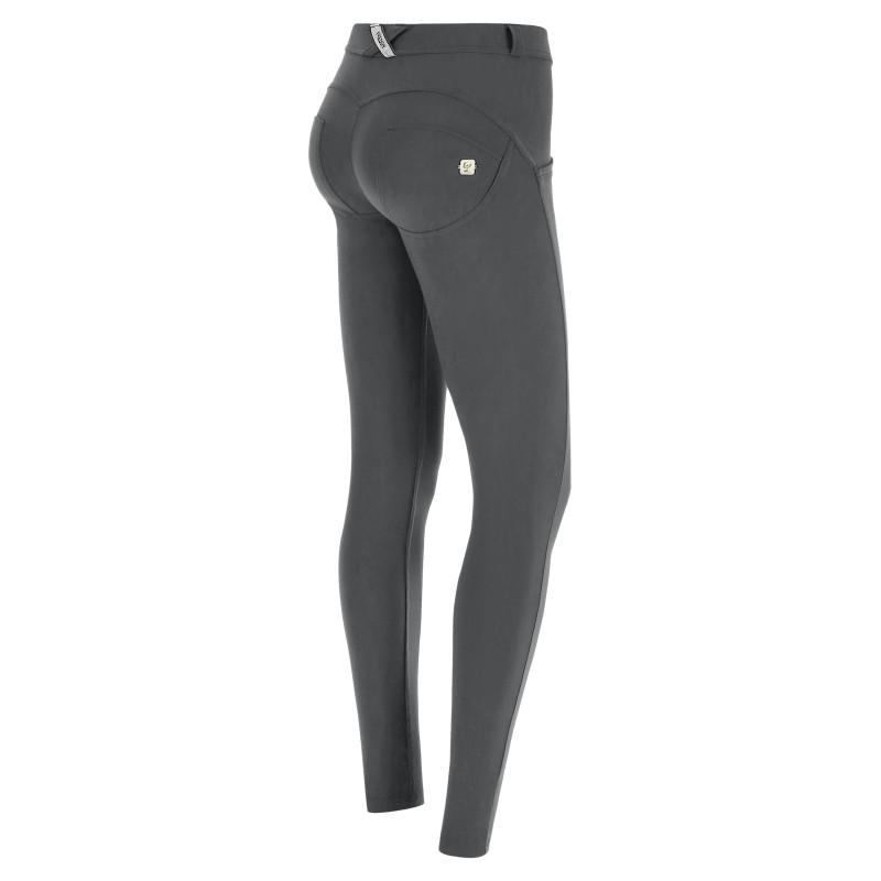 WR.UP® Denim - Spodnie z regularnym stanem w dwóch odcieniach niebieskiego