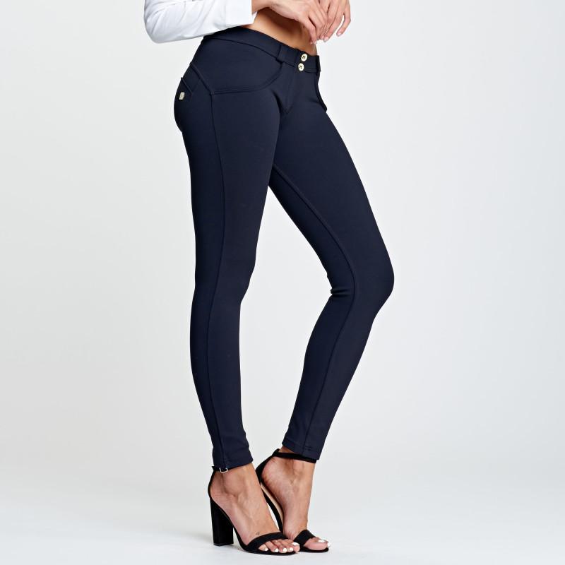WR.UP® Denim - Spodnie Skinny z regularnym stanem w kolorze białym z przetarciami