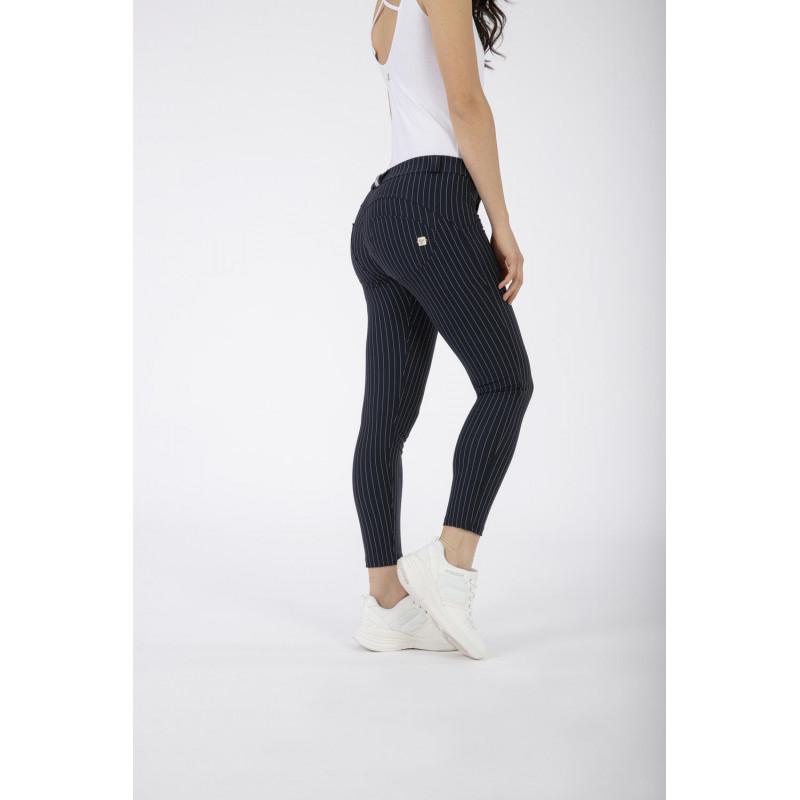 WR.UP® Denim - Spodnie Skinny z regularnym stanem w kolorze czarnym z czarnymi szwami