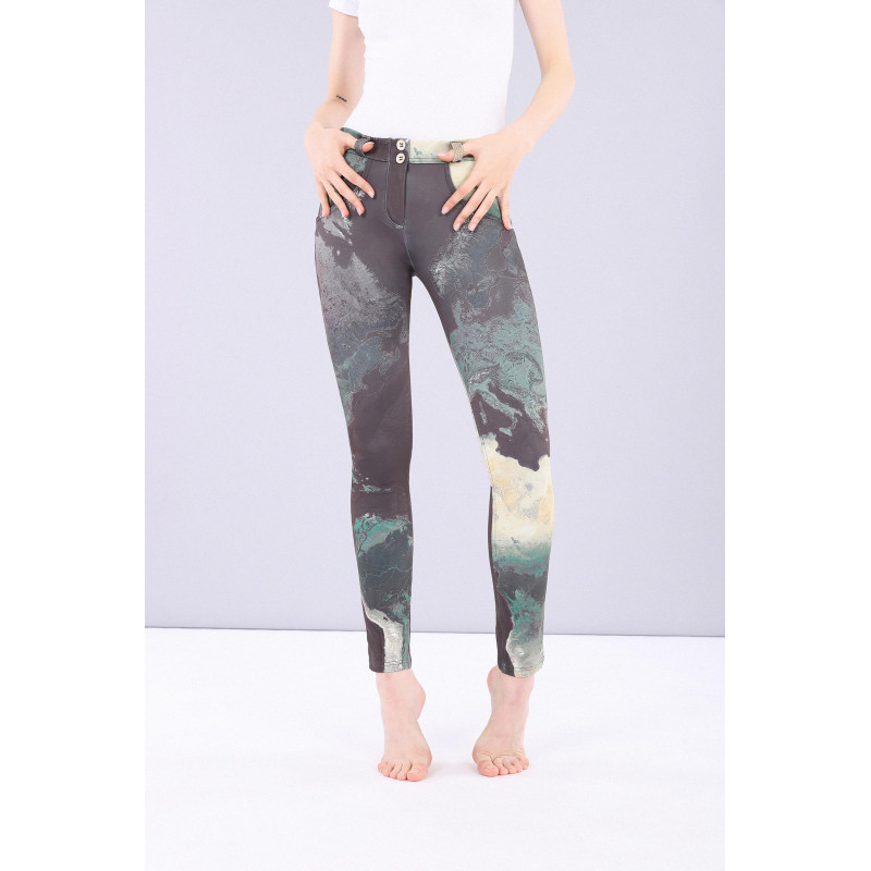 WR.UP® Specials - Skinny z regularnym stanem - Made in Italy - CAMO10