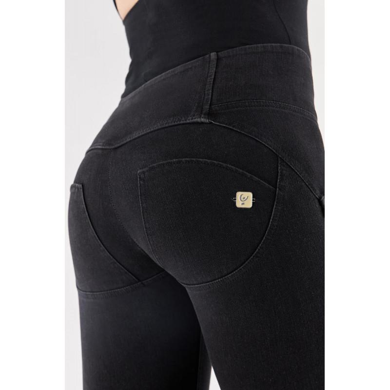 WR.UP® Denim - Spodnie Skinny z wysokim stanem w kolorze ciemnoniebieskim z niebieskimi szwami i niebieskim zamkiem